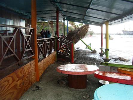 Natalie Mosk - Het restaurant bij de Caracasbaai