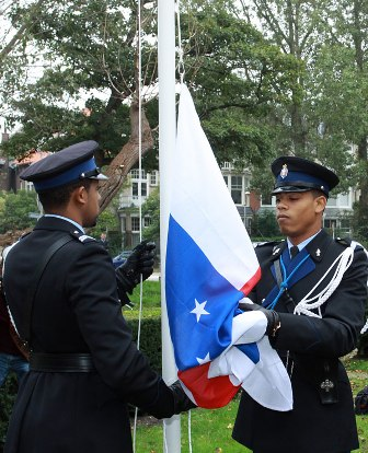 Curacao Nieuws - Antillenhuis vlag strijken