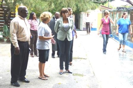 Curacao Nieuws - Jacinta Constancia - Dierenasiel
