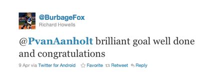 Tweet van Richard Howells aan Van Aanholt
