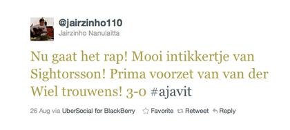 Tweet Jairzinho Nanulaitta over Van der Wiel