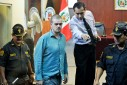 Versgeperst.com Versgeperst Ricardo Flores NIEUWS Joran van der sloot internationaal Curaçao  Joran van der Sloot in de rechtbank van Lima 127x85