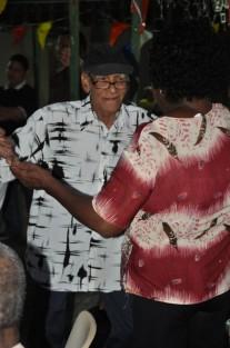 Versgeperst.com VIERING versgeperst.com tehuizen ouderen LIFESTYLE karnaval dreams Curaçao carnaval  dansen 207x313
