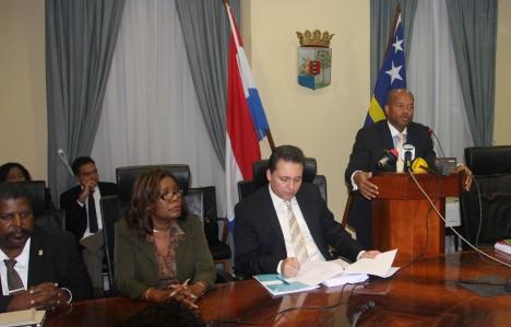 Versgeperst.com versgeperst.com toerisme rergering plannen NIEUWS economie Curaçao  IMG 2846 468x299