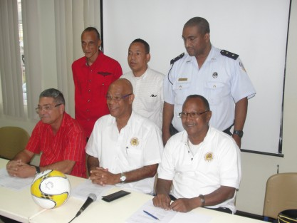 Versgeperst.com voetbal versgeperst.com SPORT Sekshon Pagá SDK FFK ergilio hato stadion Curaçao  FFK commissie mrt2013 417x313