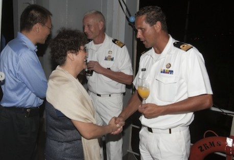 11/10/2013 Receptie CZMCARIB a/b Zr.Ms.Amsterdam met chinese consul