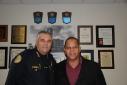 foto Sr. Manuel Orosa Hefe di Polis Miami i Sr. Humphrey Josefa Presidente Politur