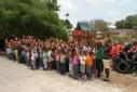 Bus Ser Blije kinderen bij nieuwe speeltuimte Oranje School