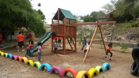 Bus Ser Vrolijke speeltuin Oranje School