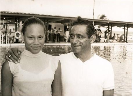 Enith Brigitha met coach Kees Anemaat - Curaçao - 1969
